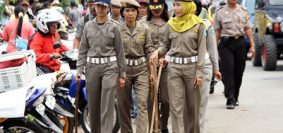 Dok-Para-Srikandi-Satpol-PP-Kota-Bengkulu-ditengah-tengah-penertiban-Pasar-Panorama-2